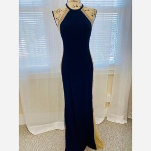 XSCAPE formal dress with small train